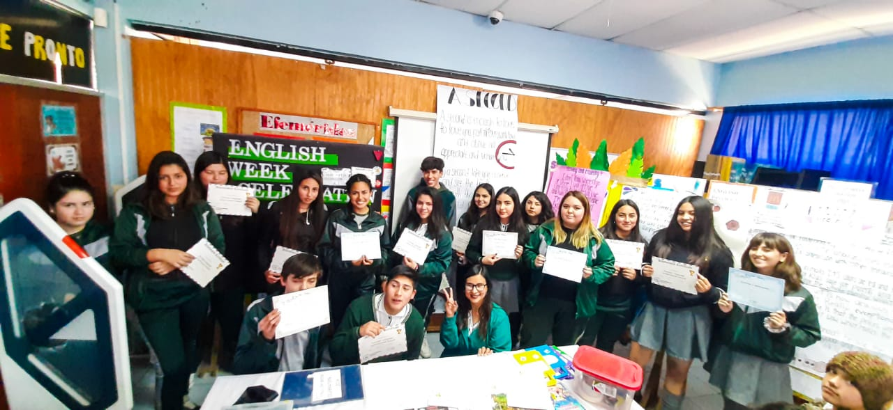Ganadores de english week celebration